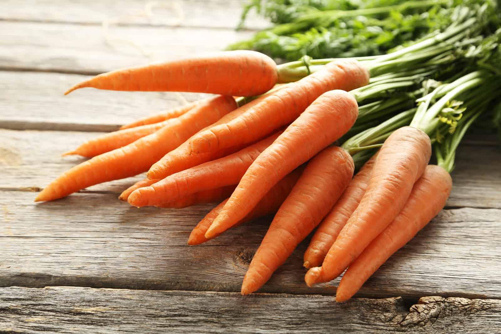 Frische und süße Karotten