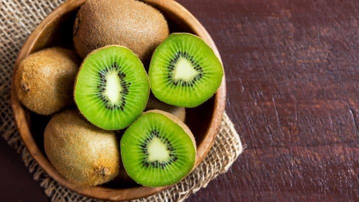 Dürfen Hunde Kiwi essen? Gift oder gesunde Leckerei?