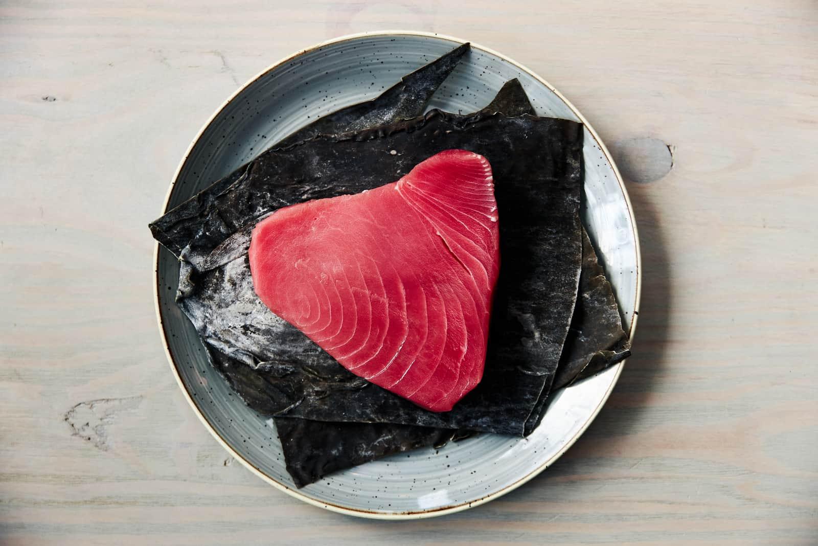 Thunfischfilet auf einem Teller